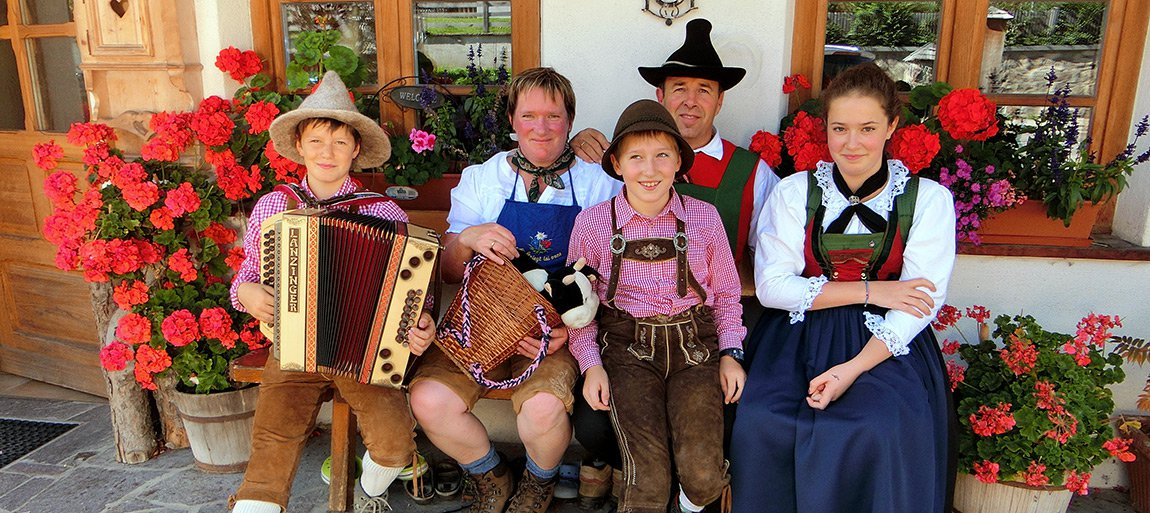 The farm Kirschnerhof in Alta Pusteria Farm holidays in Sesto – South Tyrol